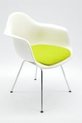 Eames Plastic Armchair DAX - Besucherstuhl